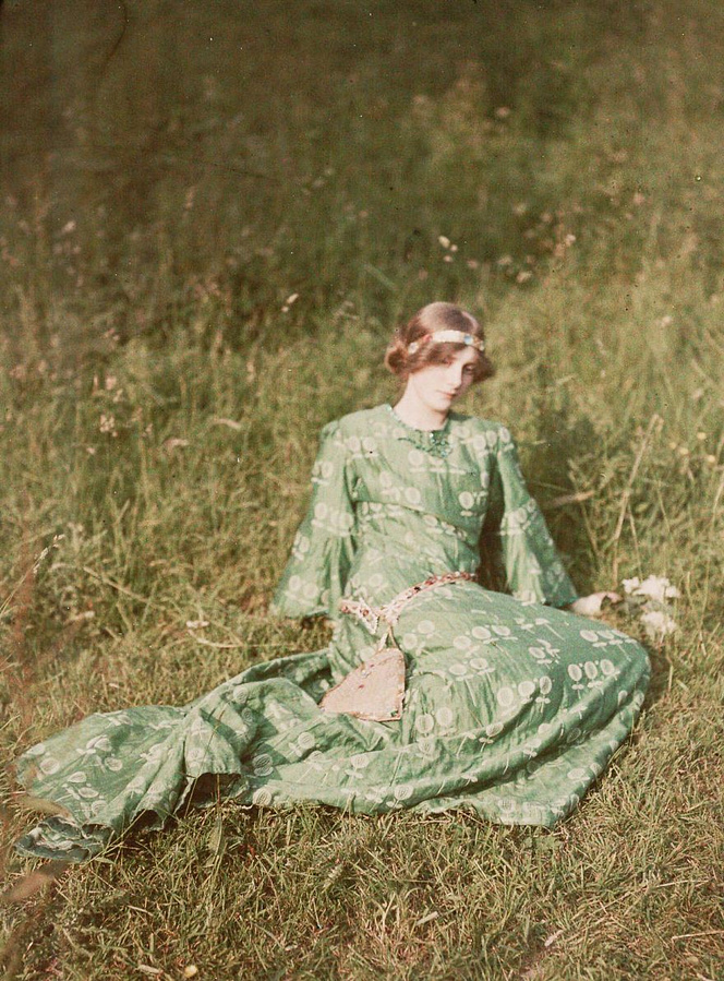 first-color-photos-vintage-old-autochrome-lumiere-auguste-louis-593e42b25d9fb__880.jpg