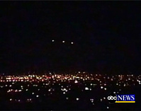 this-screengrab-taken-from-abc-news-video-shows-the-night-sky-over-chicagos-ohare-airport-airline-employees-say-they-saw-a-ufo-over-the-airport-last-fall-but-the-faa-disagrees.jpg