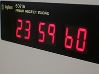 5071a-leapsecond.jpg